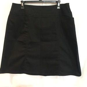NWOT Chaus black skirt